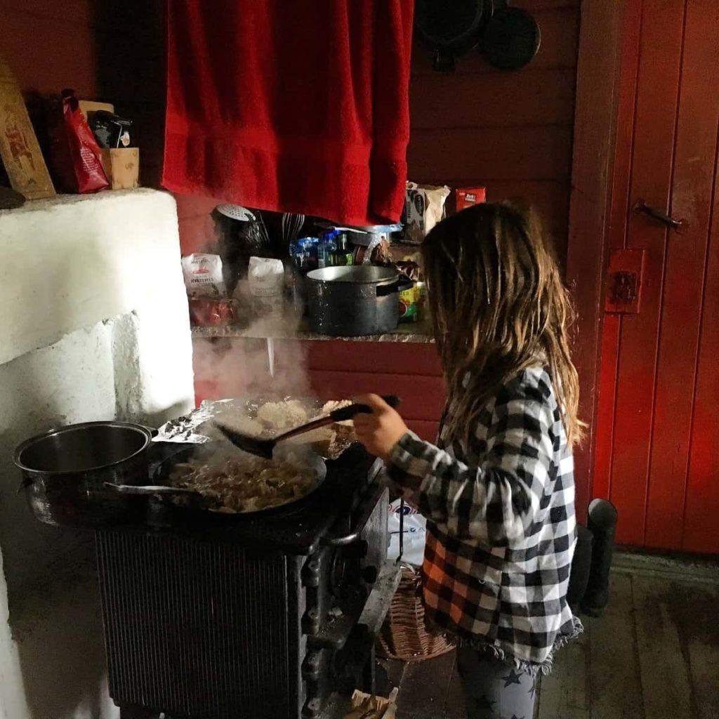 off grid cabin cooking